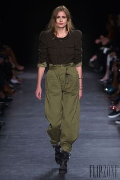 Isabel Marant Fall-winter 2014-2015 - Ready-to-Wear - http://www.flip-zone.net/fashion/ready-to-wear/fashion-houses-42/isabel-marant-4619 - ©PixelFormula