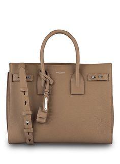 Wir haben SAINT LAURENT Handtasche SAC DE JOUR auf unsere Seite gepostet. Schaut euch an, was es sonst noch von SAINT LAURENT gibt.