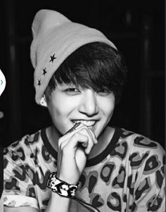 Jungkook looks hot in a beanie <3