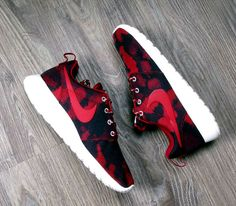 Nike WMNS Roshe Run – Noble Red / Follow My SNEAKERS Board!