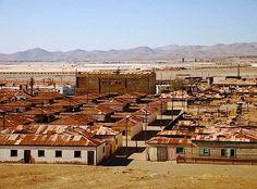 Humberstone and LaNoria: These are two abandoned saltpeter mines in Chile. In the town was founded as a mine and business boomed. After the Great Depression, the business declined, the workers were almost treated as slaves and then business collapsed in Scary Places, Haunted Places, Strange Places, Abandoned Houses, Abandoned Places, Places To Travel, Places To See, Chili, Places