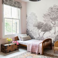 Take a look inside this London Victorian semi with a modern edge Modern Decoration modern victorian decor Modern Victorian Bedroom, Modern Victorian Homes, Victorian Home Decor, Modern Bedroom, Victorian Nursery, Victorian London, Victorian Design, Victorian Architecture, Deco London