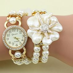 Pearl bracelet with flower pendant watch