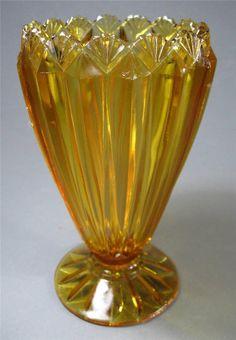 ♦Vintage art deco amber depression glass vase Crown Crystal  fans  pattern♦ #1