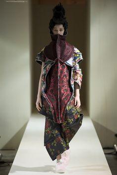 Comme des Garçons Fall 2016 Ready-to-Wear Fashion Show