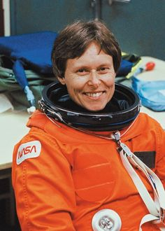 When I graduated from university this amazing women shook my hand and congratulated me. Her speech to the graduates in 2004 was very moving and inspiring - Canadian Astronaut Roberta Bondar born December 4, 1945 in Sault Ste. Marie, Ontario