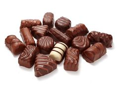 Chocolate Pralines I love to eat Praline Chocolate, Belgian Chocolate, Chocolate Truffles, Chocolate Lovers, Chocolate Recipes, Praline Recipe, Original Recipe, Almond, Diy And Crafts