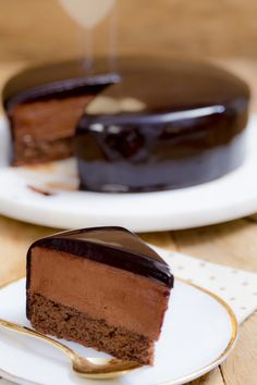Bolo Mousse de Chocolate - I Could Kill For Desert Just Desserts, Delicious Desserts, Yummy Food, Sweet Recipes, Cake Recipes, Dessert Recipes, Yummy Treats, Sweet Treats, Chocolate Desserts