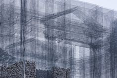 Image 18 of 20 from gallery of Wired Mesh Installation Shapes an Open Air Museum in Italy. Photograph by Roberto Conte Monumental Architecture, New Architecture, Street Installation, Architectural Materials, Wire Mesh, Italian Artist, Italy, Landscape, Gallery
