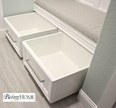 Reincarnated Rolling Shoe Storage – IKEA Hackers IKEA Hackers: Reincarnated Rolling Shoe Storage – from parts in the as-is section Shoe Storage Bench Diy, Diy Bench, Closet Storage, Storage Drawers, Storage Ideas, Closet Bench, Kitchen Storage, Storage Solutions, Furniture Storage
