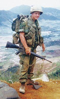 Photos of the vietnam War Vietnam History, Vietnam War Photos, North Vietnam, Vietnam Veterans, American War, American Soldiers, Native American, Indochine, War Photography