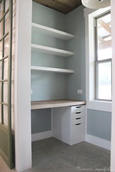 How to Build Thick Floating Shelves from Plywood - Domestic Imperfection Floating Shelves Diy, Built In Shelves, Hidden Shelf, Hidden Storage, Tiny Home Office, Plywood Shelves, Cool Office Space, Selling Furniture, Home Organization