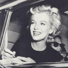 Su verdadero nombre era Norma Jean Baker. Vivió una infancia marcada por las contradicciones. Su madre, Gladys Baker, la dejó a cargo...