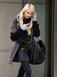 Style Icon: The Cast of Gossip Girl Spring Fashion Outfits, Look Fashion, Skirt Fashion, Trendy Fashion, Autumn Fashion, Womens Fashion, Trendy Style, Gossip Girls, Gossip Girl Outfits