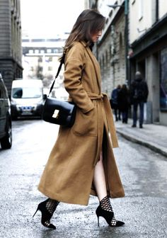 Stockholm fashion week street style // camrl coat fall style // xochitl vavik // Elle Norway blog