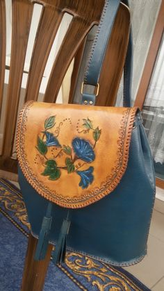 Tooled Leather Purse, Leather Bag Pattern, Leather Pouch, Leather Purses, Leather Handbags, Leather Bags Handmade, Handmade Bags, Leather Craft, Diy Leather Earrings