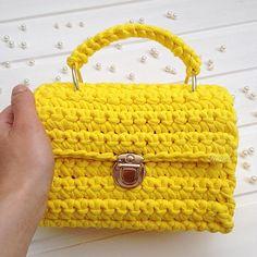 """468 Likes, 10 Comments - Дизайнерские сумочки и рюкзаки (@ksu_s_bags) on Instagram: """"Всем лёгкой рабочей недели, друзья Любуемся и не забываем про ❤️❤️❤️ Вот такая солнечная сумочка в…"""""""