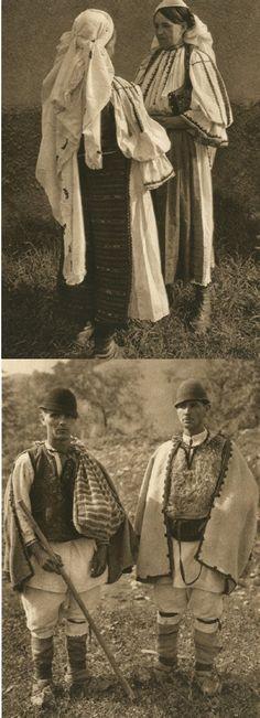 Mirifica Romanie in Alb Si Negru - 1933 Interwar Period, Grimm Tales, Photograph Album, Gothic Horror, Central Europe, Folk Costume, Dark Fantasy, First World, Fiction