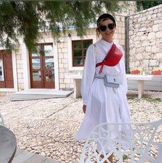 Dokonalé outfity Soni Müllerovej: Módu a štýl má v krvi | 2 Keds, Dresses With Sleeves, Long Sleeve, Fashion, Moda, Sleeve Dresses, Long Dress Patterns, Fashion Styles, Gowns With Sleeves