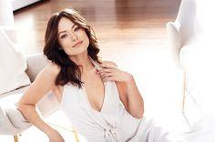 «Today Tomorrow Always Amour» Оливия Уайлд в рекламной фотосессии «Avon»