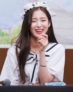 Arin Oh My Girl, Female Characters, Kpop Girls, Most Beautiful, Celebrities, Outfits, Instagram, Fashion, Celebs