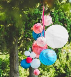 mariage – Sous Le Lampion / Lantern and Lampion Paper Wedding Decorations, Tabletop Christmas Tree, Holiday Centerpieces, Handmade Christmas Decorations, Wedding Paper, Flower Decorations, Chinese Lanterns Wedding, Wedding Lanterns, Lantern Crafts