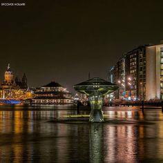 _______________________________________________ @ig_discover_holland  Present the artist:  @kl643  Amsterdam __________  Note:  Het Amsterdam Light Festival  De haven van Amsterdam maakt deel uit van de regio Zeehavens Amsterdam bestaande uit de havens van Amsterdam Zaanstad Beverwijk en Velsen/IJmuiden. De Amsterdamse haven is daarvan veruit de grootste. De haven van Amsterdam en de stad Amsterdam zijn vanaf het ontstaan in de 13e eeuw nauw met elkaar verbonden.  De monding van de Amstel…