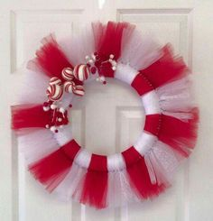 Christmas tulle wreath would be cute with some candy canes added. Tulle Crafts, Wreath Crafts, Diy Wreath, Christmas Crafts For Gifts, Christmas Projects, Christmas Decorations, Tulle Decorations, Tutu Wreath, How To Make Wreaths
