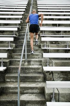 Discover the best ways to build endurance (without destroying your body) and learn whether Maffetone method, CrossFit Endurance, Polarized training or something else is best.