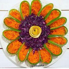 10 Everything Bagel Chicken Salad Food Ideas Veggie Platters, Party Platters, Veggie Tray, Food Platters, Vegetable Decoration, Vegetable Design, Food Decoration, Food Design, Salad Design
