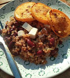 Pohánka s červenou fazuľou a maslovou tekvicou (fotorecept) - recept Polenta, Quinoa, Grains, Rice, Treats, Food, Cilantro, Sweet Like Candy, Goodies