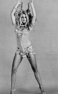 A George Vreeland Hill pin. Modelos Guess, Bridget Bardot, Brigitte Bardot Bikini, French Actress, Beautiful People, Beautiful Women, The Bikini, Classic Beauty, Raquel Welch