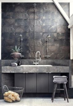 20 interior bathroom in the industrial style. More information: http://wonderdump.com/category/ideas/ideas-for-home/