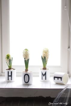 Flowers in Design Letters cups with typography by Arne Jacobsen. Garage Makeover, Interior Decorating, Interior Design, Lettering Design, Design Letters, Home Decor Accessories, Home Decor Inspiration, Decoration, My Dream Home