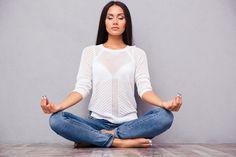 Meditar pode aliviar o estresse da rotina e abrir espaço para que o seu cérebro trabalhe com mais eficiência. http://www.eusemfronteiras.com.br/medite-frequentemente-e-ajude-seu-cerebro-a-ser-mais-atento/?utm_content=buffer5a7e0&utm_medium=social&utm_source=facebook.com&utm_campaign=buffer #eusemfronteiras #meditação #cérebro #energia