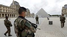 Museo de Louvre reabre sus puertas después del ataque terrorista - https://www.notimundo.com.mx/mundo/museo-de-louvre-reabre-puertas/