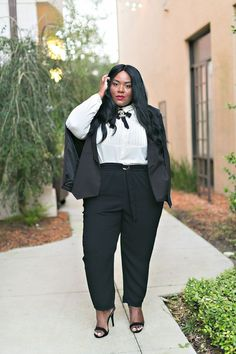 Several of plus size ladies are also cost conscious and ask for cheap formal plus size dresses that fit their budget and yet offer great style.