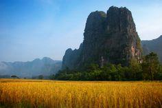 THE CLIFFS OF KHAMMUAN, Laos #DestinationOfTheDay #Lingualia