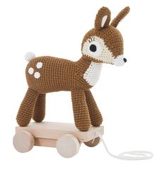 Hæklet bambi på hjul fra Sebra
