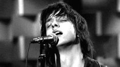 Julian casablancas has the best singing face. Black n white