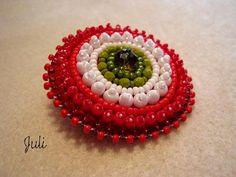 Bross kokárda Beading Patterns, Crochet Earrings, Pendants, Beads, Flowers, Blog, Beadwork, Brooches, Jewelry