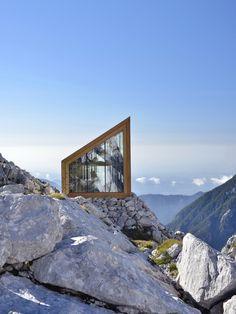 Schutzhütte von OFIS in Slowenien / Biwak-Abenteuer - Architektur und Architekten - News / Meldungen / Nachrichten - BauNetz.de