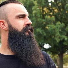 ⚔ ΒΣΛЯDΣD VILLΛΙИ ⚔ Solid side beard shot of our brother @thundrinherd Salute brother!! @von_knox @beardedvillains @beardedvillainskansas