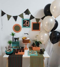 Make Simple Birthday Decoration and Cheap and get a beautiful party spending little! great tips for children, male and female party, check Birthday Table, Adult Birthday Party, Birthday Diy, Male Birthday, Birthday Celebration, Birthday Ideas, Simple Birthday Decorations, Party Decoration, Craft Beer Gifts