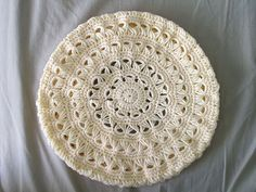 Broomstick lace beret - no pattern available (just pictures), but doesn't look too difficult