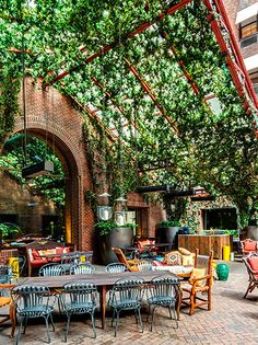 131 Awesome Restaurant im Freien Patio decoor net - Brittany Catalano - Dekoration Outdoor Restaurant Patio, Outdoor Cafe, Outdoor Dining, Outdoor Decor, Outdoor Stores, Canopy Outdoor, Patio Dining, Outdoor Seating, Outdoor Rooms