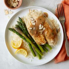 Serve this lemon tilapia with any tossed salad full of your favorite vegetables and buttered bread. It's easy, quick and unique. Lemon Recipes, Sauce Recipes, Fish Recipes, Seafood Recipes, Cooking Recipes, No Calorie Foods, Low Calorie Recipes, Healthy Recipes, Seafood