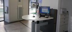 LCl a opté pour un poste accueil ergonomique et innovant conçu en étroite collaboration avec Craie Design et accessible à tous (PMR, malentendants...) - http://eye.sbc44.net/w/19373/Rg6Q0eLcLUGTnJld_bz5bA/qw-qRPxQekGYK6EO0eKqPQ/cIipEGlqnU-d829uWMgExg