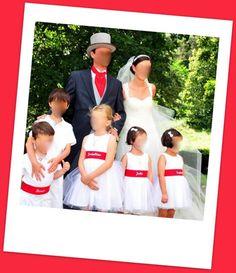 Lavalière assortie à la tenue des enfants   c'est tres joli