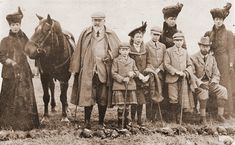 King Edward VII and H. Queen Alexandra, with the royal family of the time including three future Kings. 1908 at Balmoral. Queen Mary, Princess Mary, Princess Louise, Princess Victoria, Queen Elizabeth, Tudor History, British History, Princess Alexandra Of Denmark, Queen Victoria Family